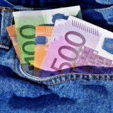 cash-theft-foreign-countries05