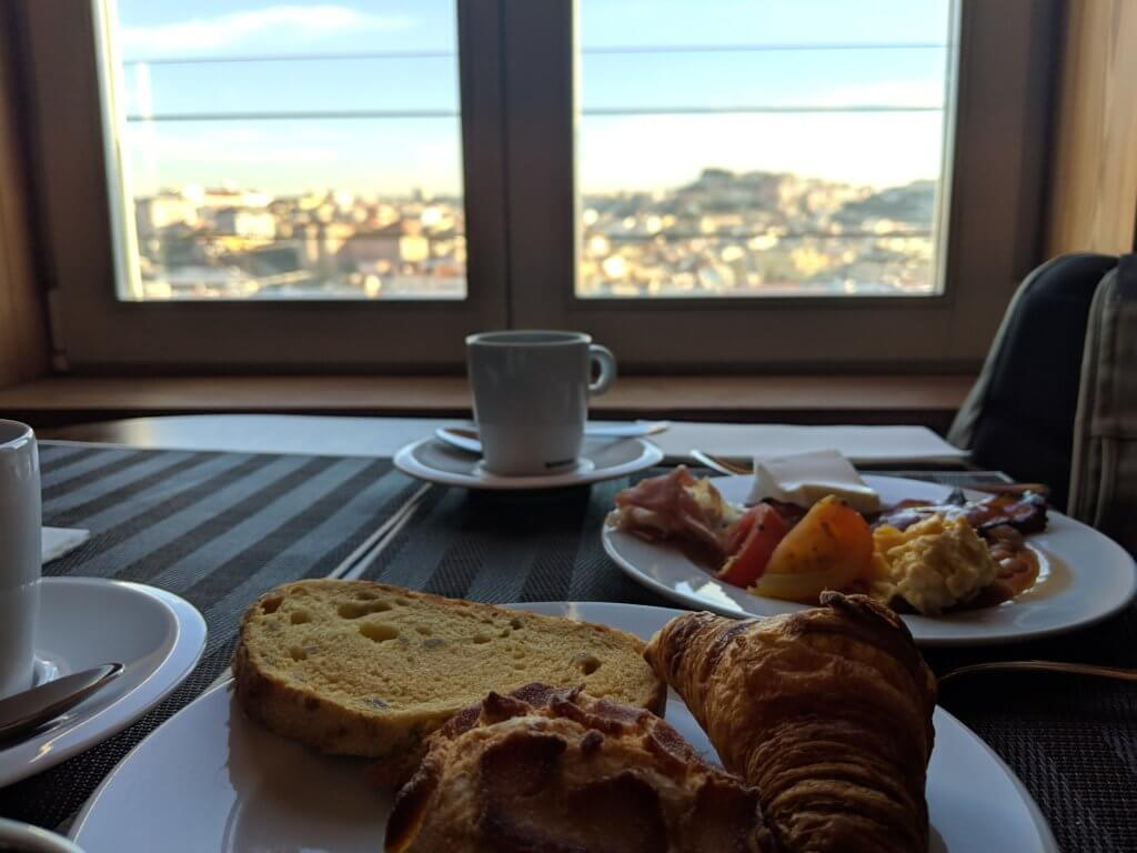 Lisboa Pessoa Hotelの朝食